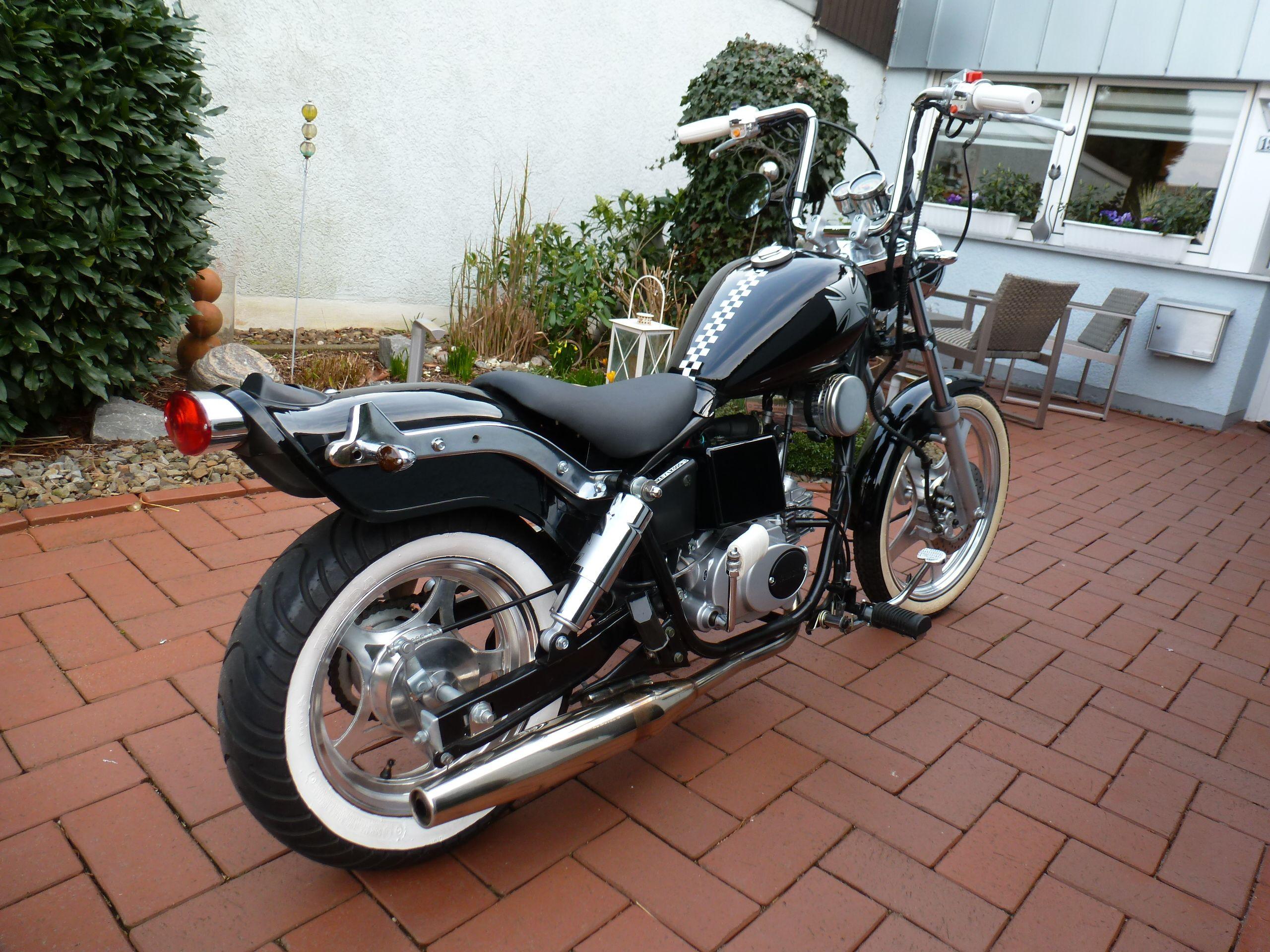 2560 1920 50 ccm motorcycle filing und. Black Bedroom Furniture Sets. Home Design Ideas