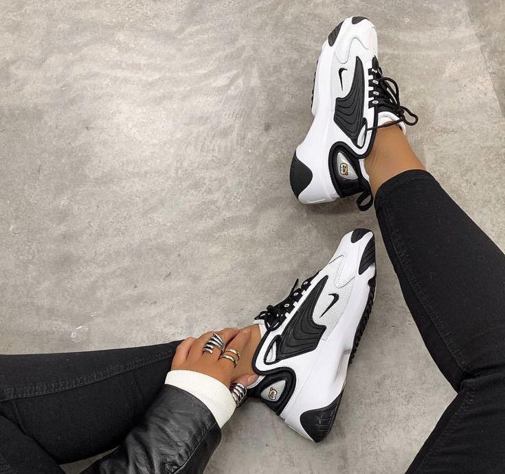 Nike Schwarze Trainer In 2020 Weisse Nike Schuhe Nike Schuhe Nike Schuhe Damen