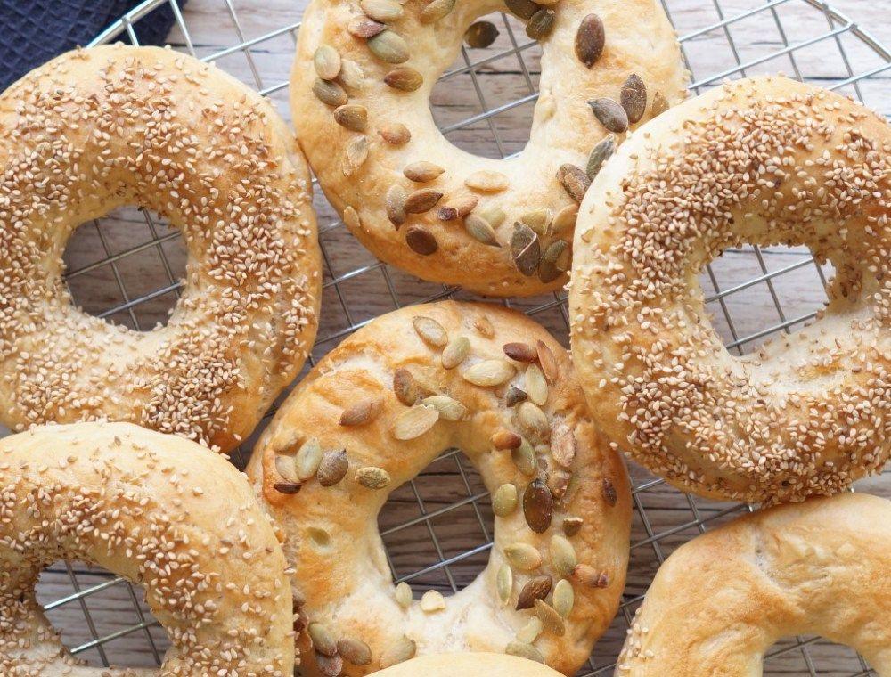 Bagels - den bedste bagels opskrift | Madling.dk