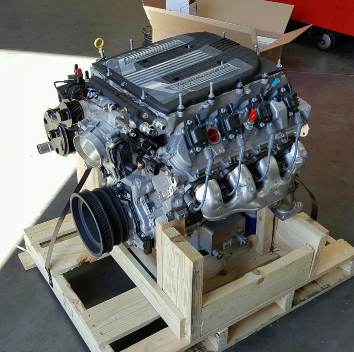 650 hp chevrolet performance lt4 6 2l engine ready to be installed rh pinterest com