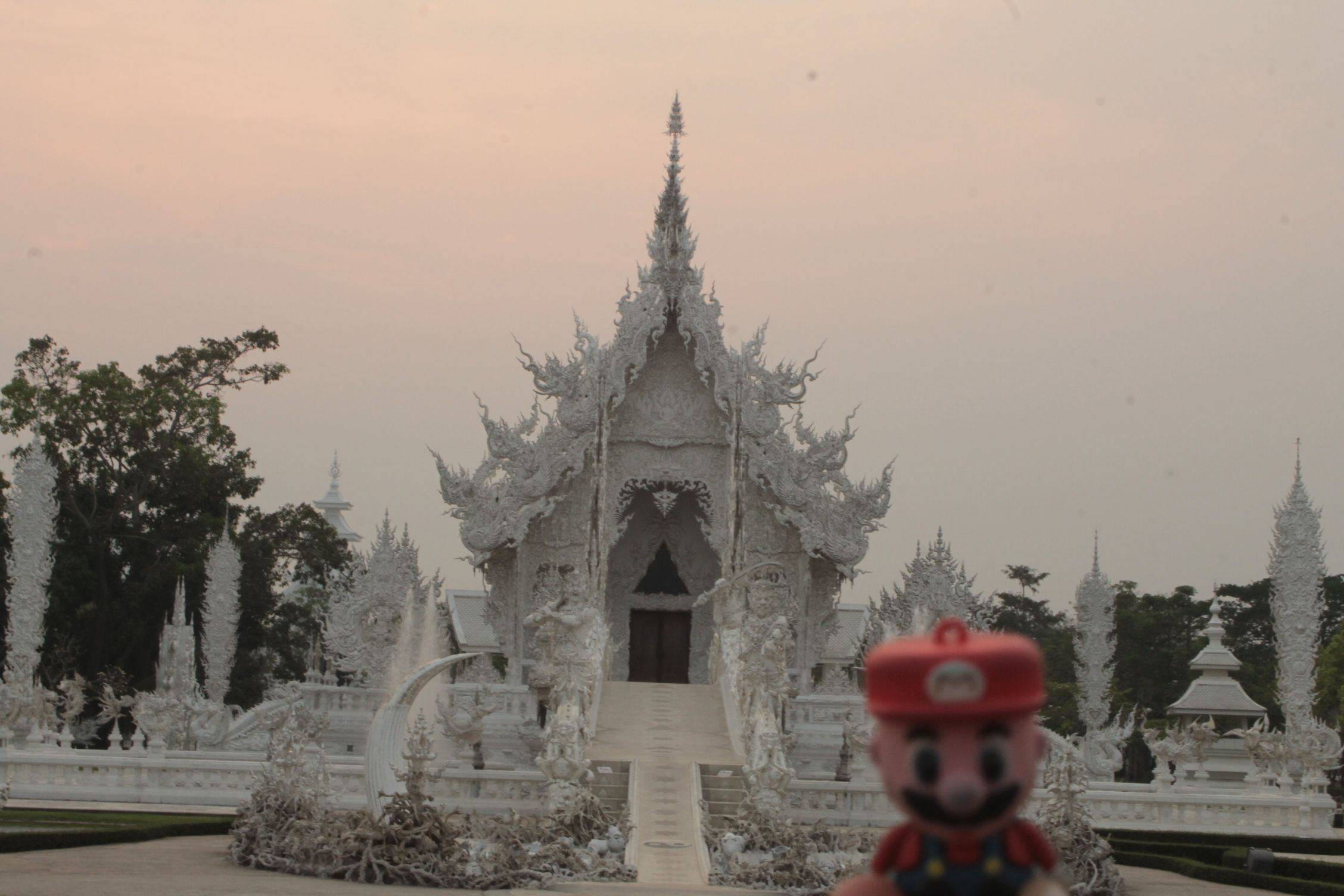 En Wat Rong Khun, Chiang Rai