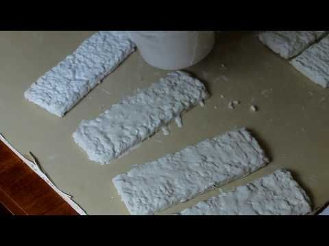 Декоративные кирпичики из яичных лотков (способ 1)   YouTube