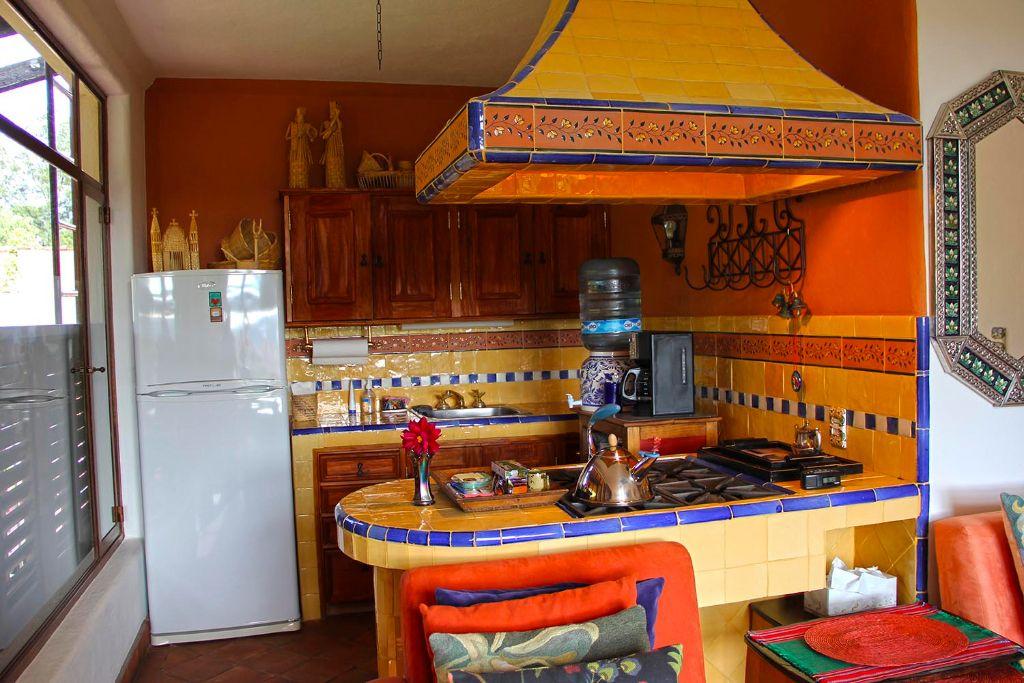 Cocinas mexicanas comidas cocinas y mesas mexicanas for Cocinas coloniales modernas