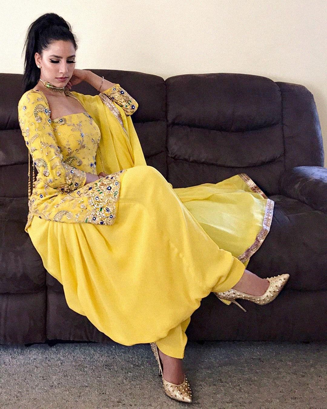 KIRAN DHALIWAL   Boho   Pinterest   Punjabi suits, Suits and Indian ... a986dfa481