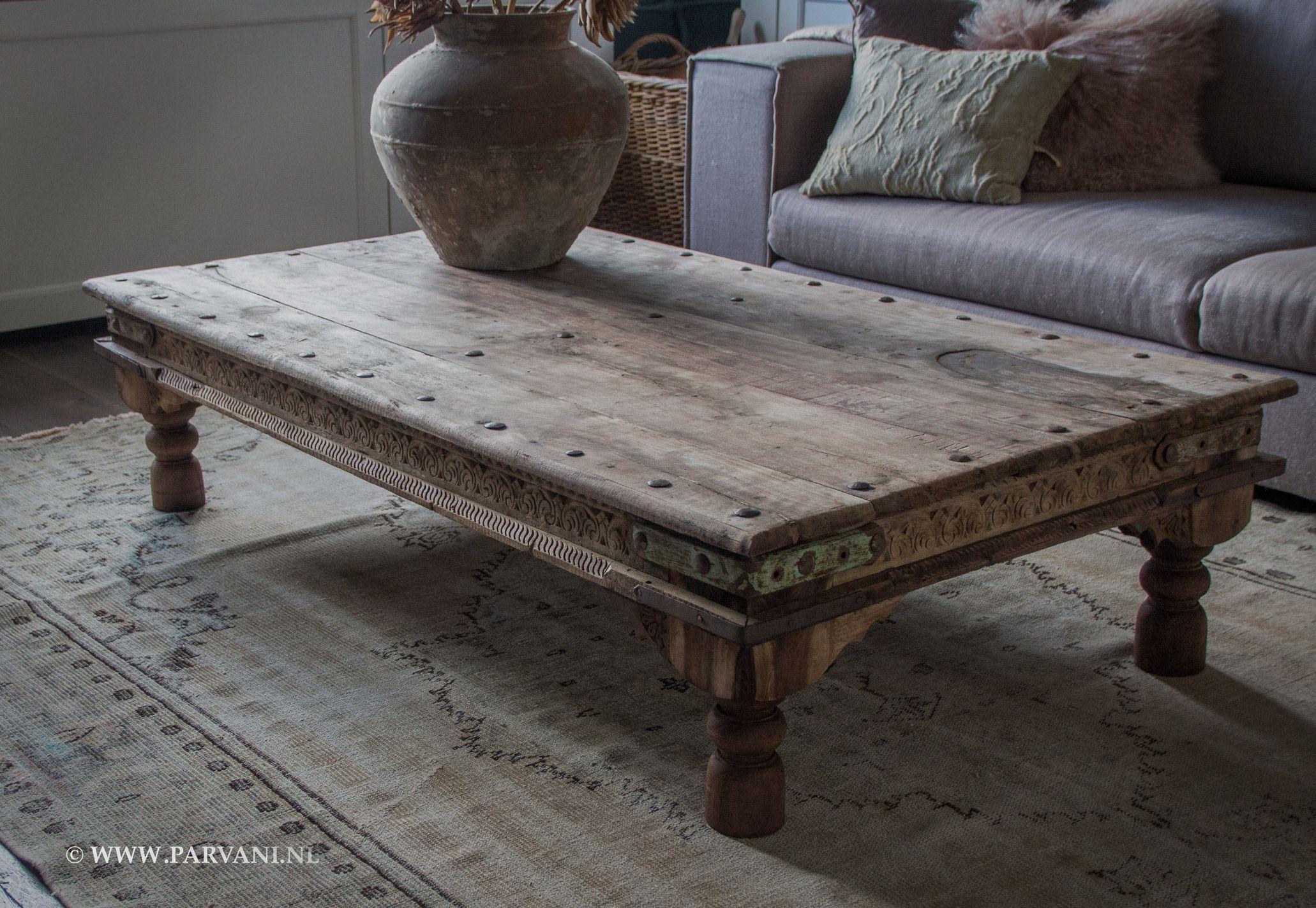 Parvani india salontafel houtsnijwerk ijzeren details popnagels