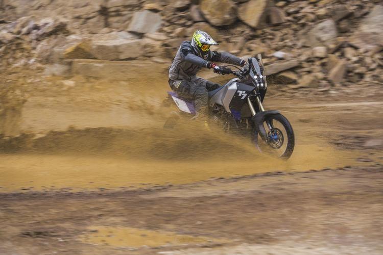 Esclusiva mondiale il primo contatto con la Yamaha T7