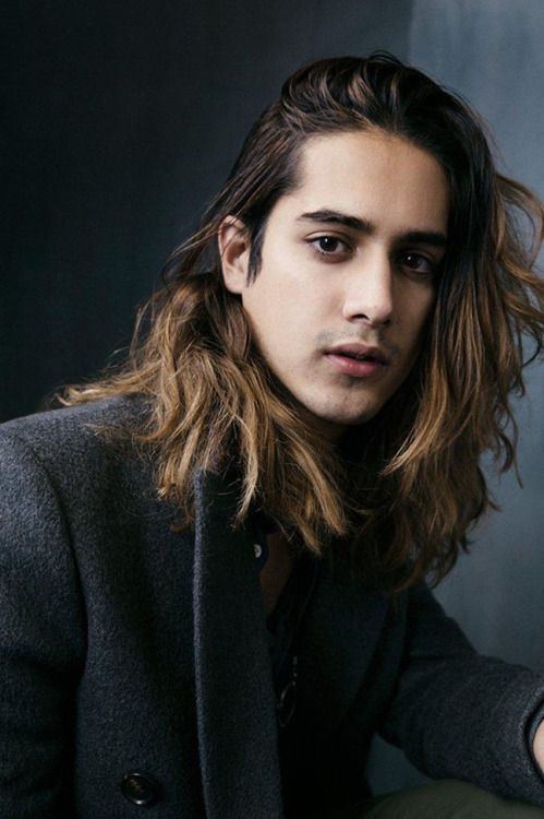 This Blog Is An Archive I Remade Miaiphonos Long Hair Styles Men Avan Jogia Long Hair Styles
