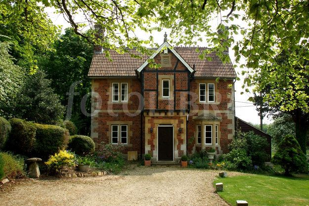1192349 Victorian Gothic Polychrome Brick Stonejpeg 625x417