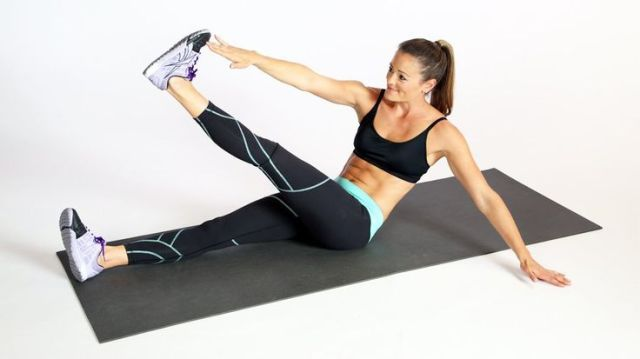 A 30-Minute Fat-Frying That Will Have Your Body Sizzling: This workout was desig