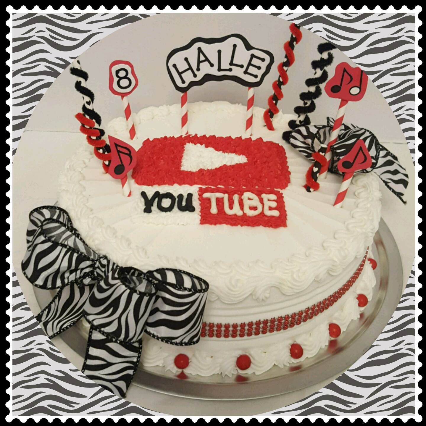 Brilliant Halles Youtube Birthday Cake Cheryl Stacy Cakes Did An Amazing Personalised Birthday Cards Paralily Jamesorg