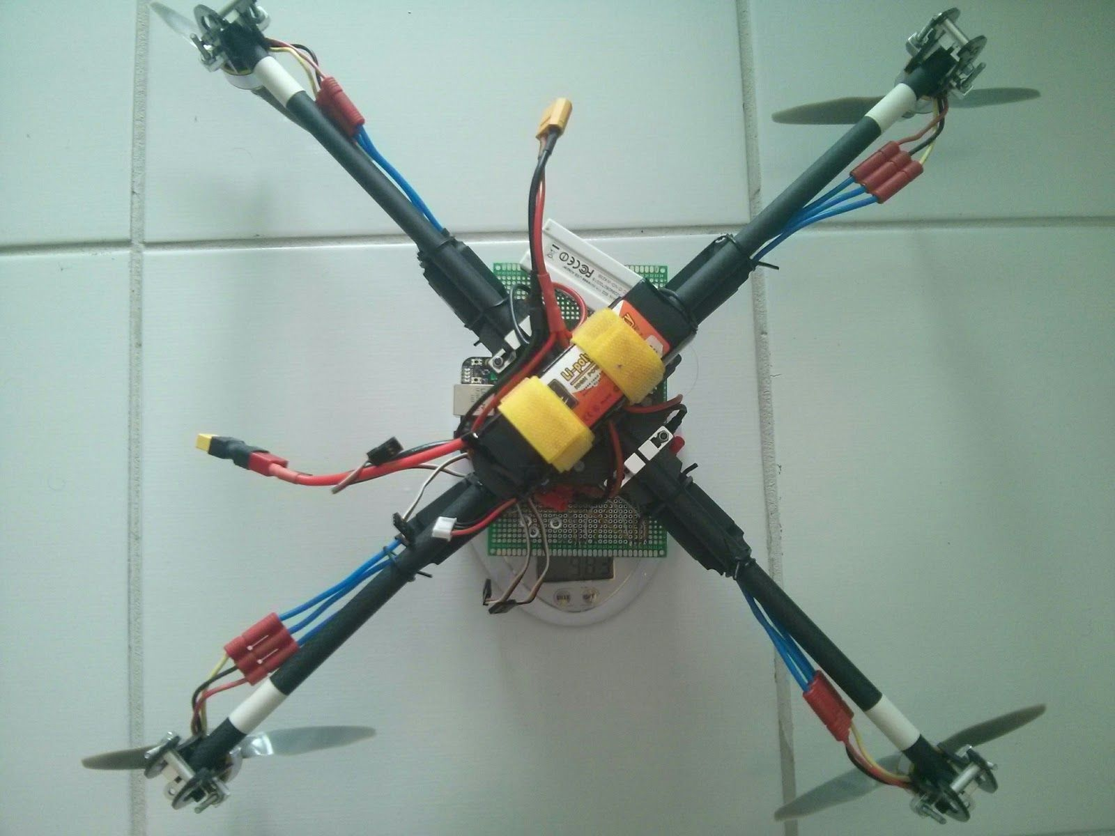Drones personalizados quadcopter code for beaglebone