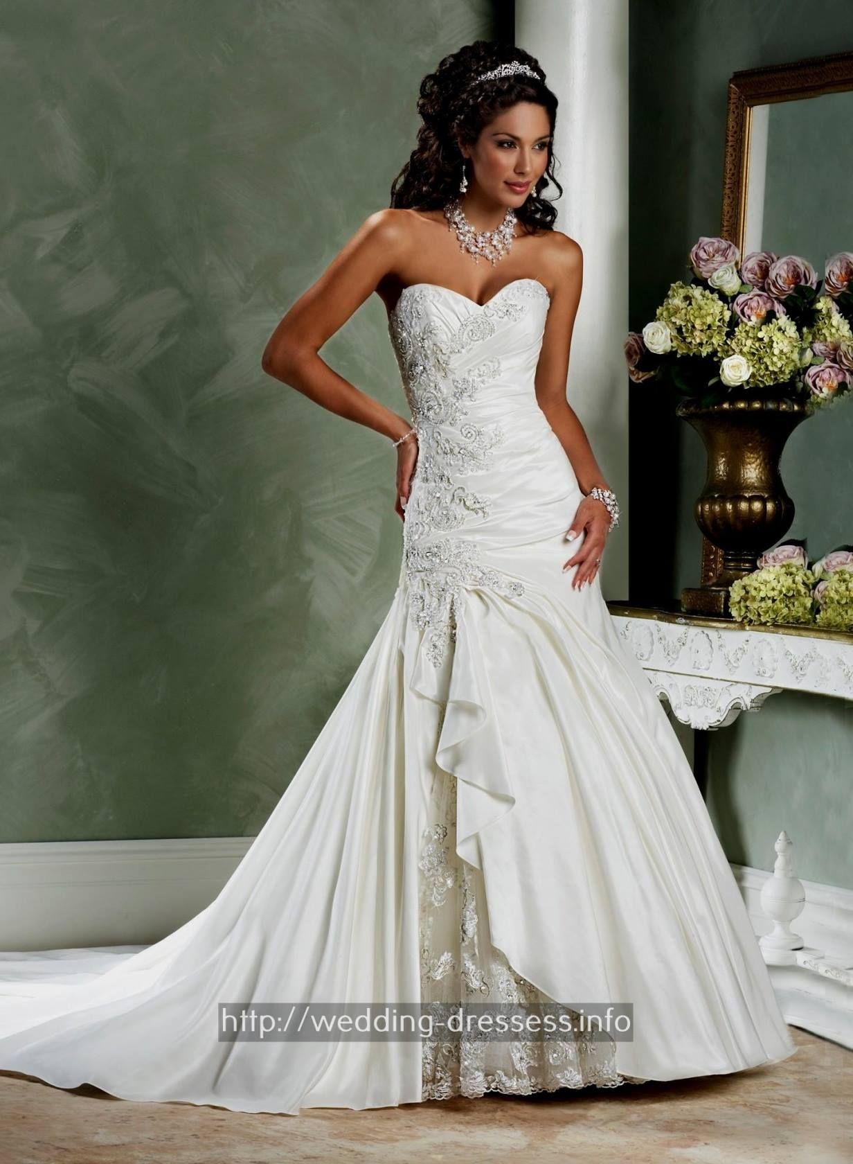 Redneck wedding dress  Wedding Dresses Beach Halter  Western bridesmaid dresses Fall