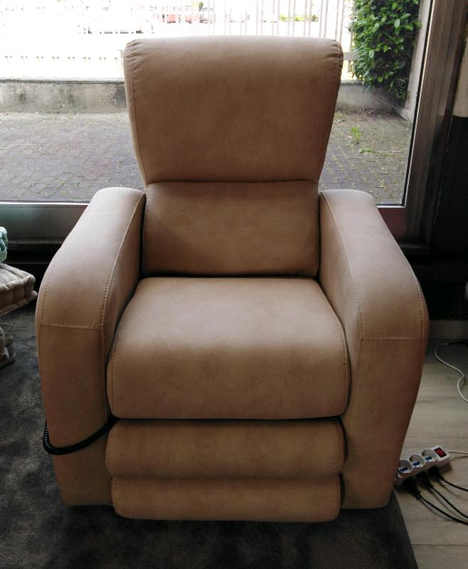 Poltrona relax alzapersona nuova | Offerte divani | Poltrone ...