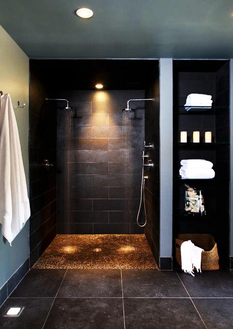 Dunkle Fliesen In Der Dusche Wohnen Badezimmer Badezimmergestaltung Badezimmer Im Keller Badezimmer Design
