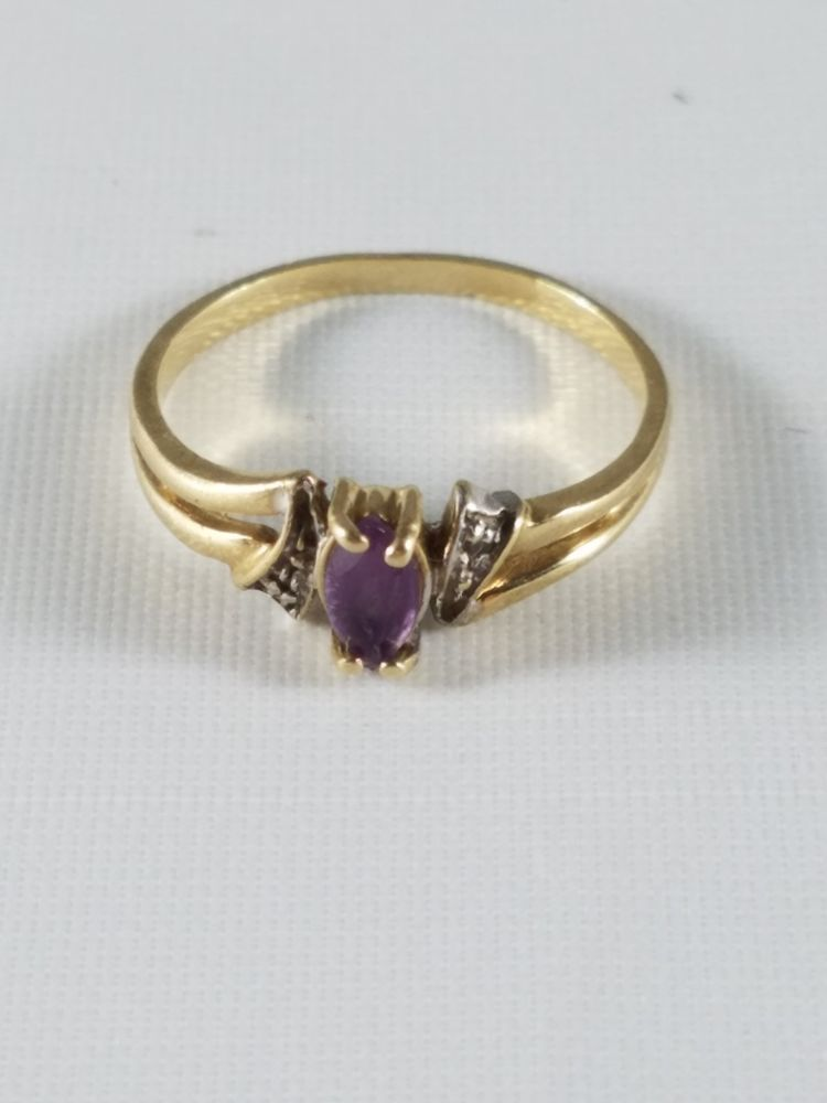 Vintage 10k Yellow Gold Womens Girls Oval Amethyst Ring Pinkie Cocktail Size 4 5 Unbranded Pinkie All Oval Amethyst Ring Diamond Accent Ring Amethyst Ring