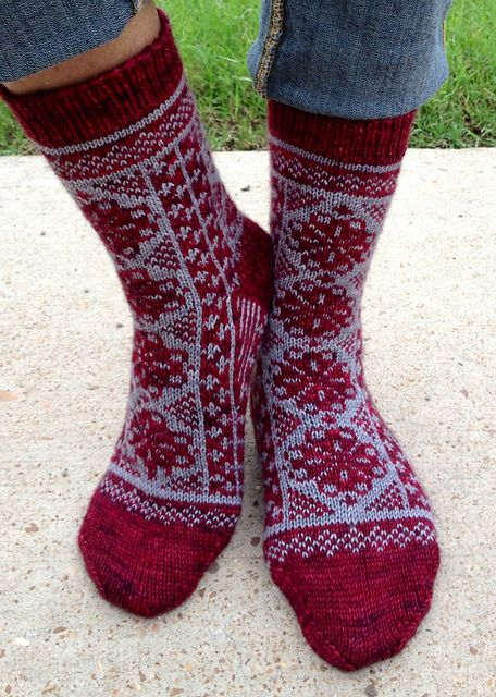 Ravelry: Fireweeds pattern by Rose Hiver - free pattern | SOCKS and ...
