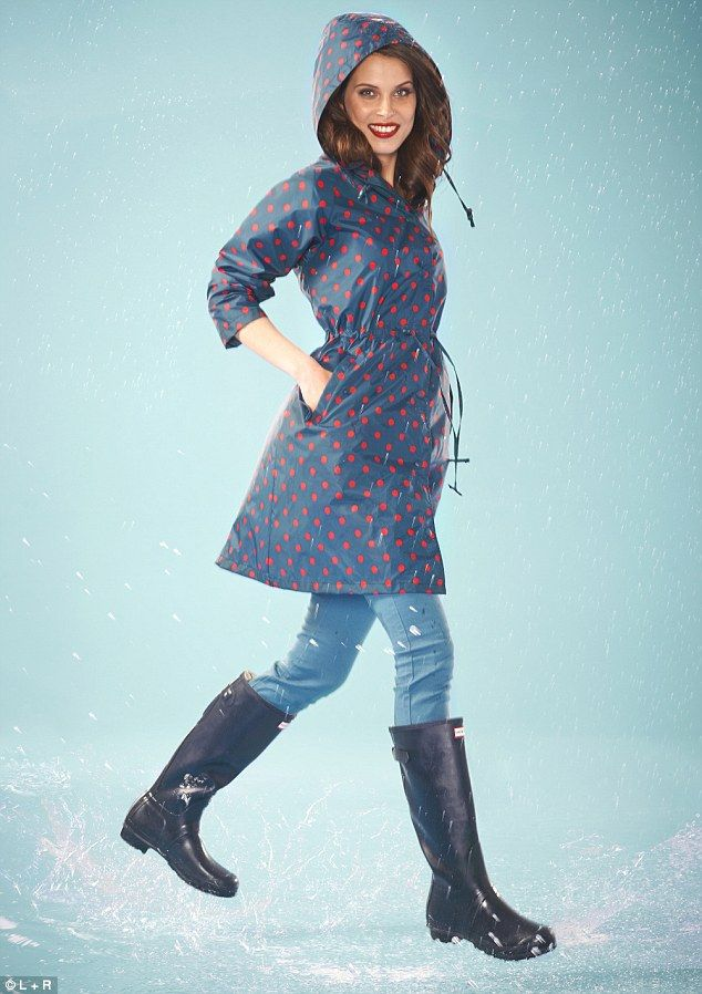 Embrace the stormy weather with a rain coat or rain boots from Joules. Shop our women's Right as Rain collection to complete your stylish outdoor look, now.
