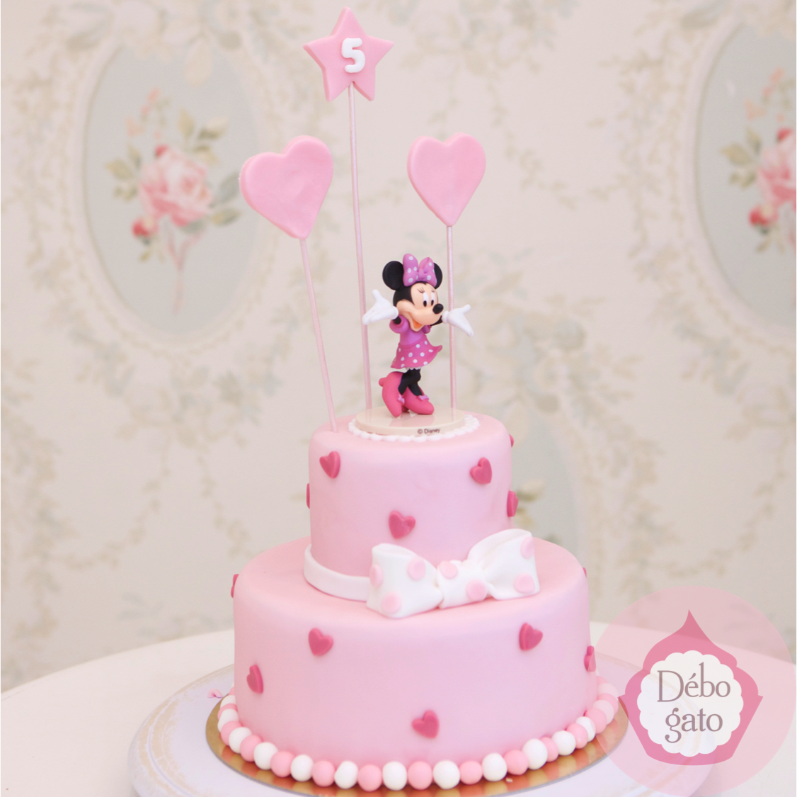 g teau minnie anniversaire birthday cake g teaux personnalis s fille rose personnages. Black Bedroom Furniture Sets. Home Design Ideas