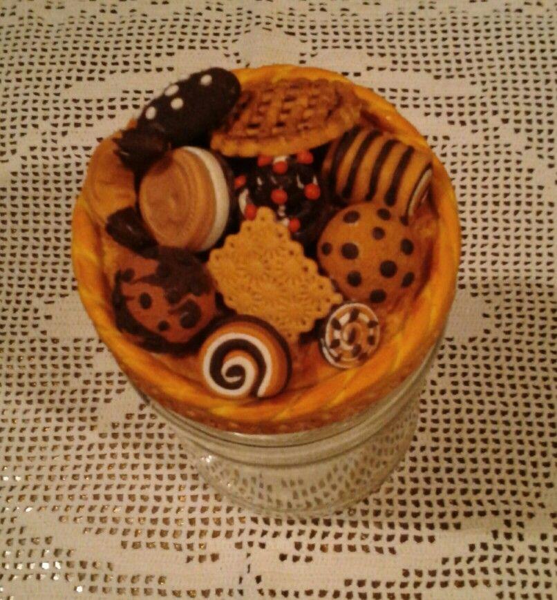 Barattolo porta biscotti decorato con la pasta di mais!!!