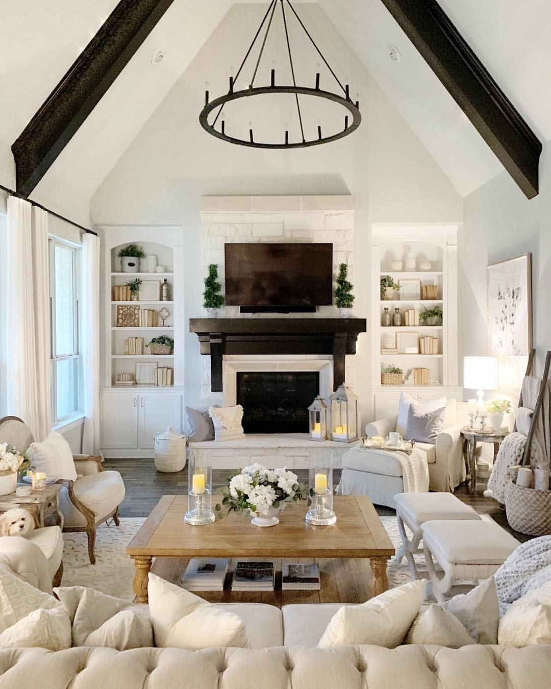 Hey Guys Pretty Excited That I Got My Family Room De Christmased The Rest Of The House Is A Hot Mess But Hey It S A S In 2020 Home Living Room Home