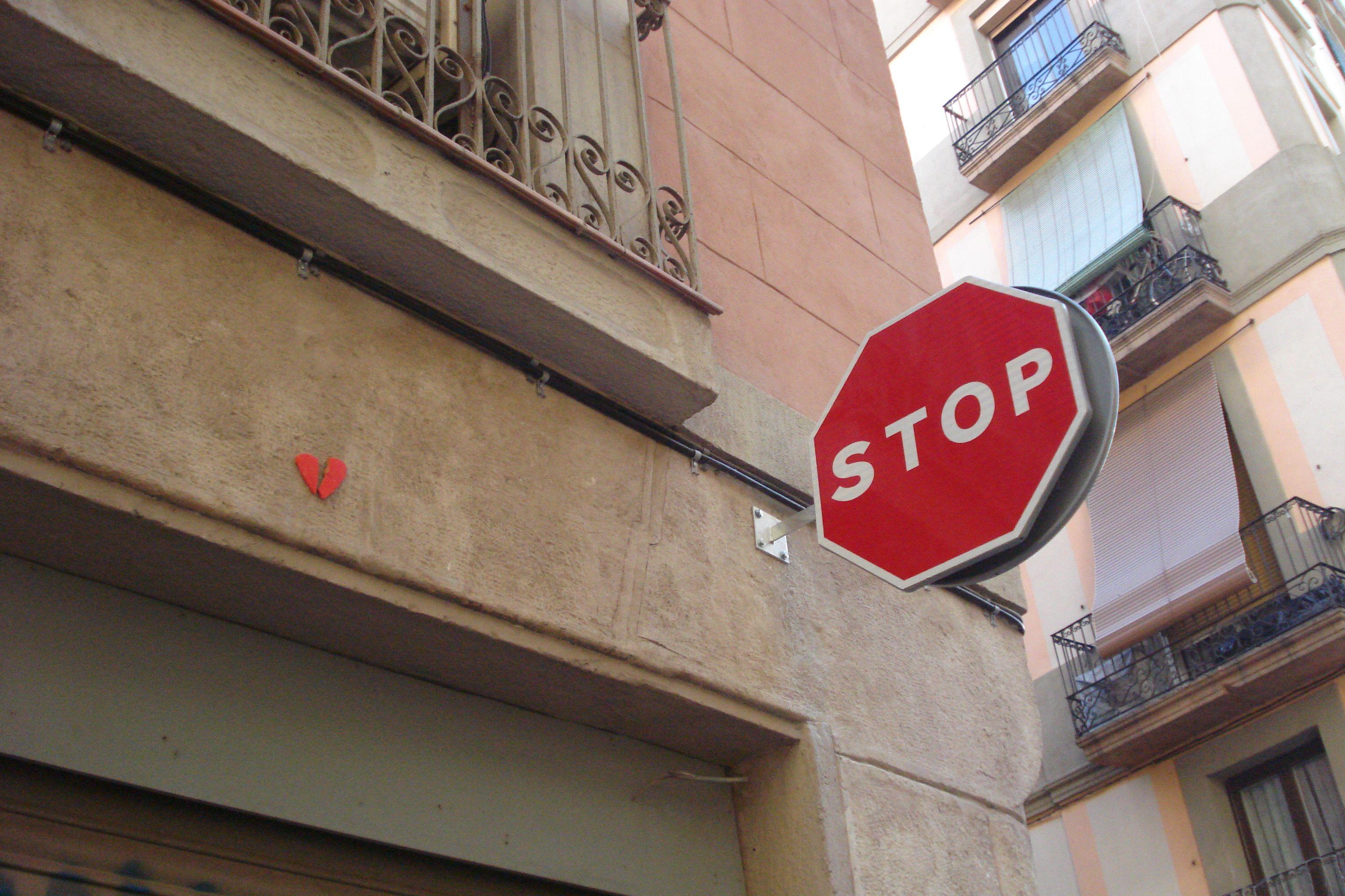 #streetart #artecallejero #arteurbana #penelopemaldonado #streetartbcn #corazones #hearts #brokenhearts #barcelona #corazonesrotos