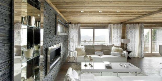 salon moderne avec pierre et bois