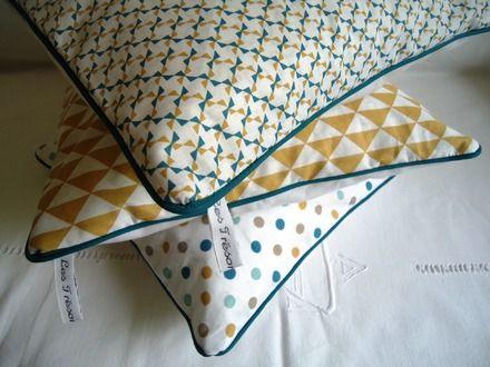 Creations Mises De Cote De Cat W Oman95 Coussin Bleu Canard Coussin Graphique Housse De Coussin