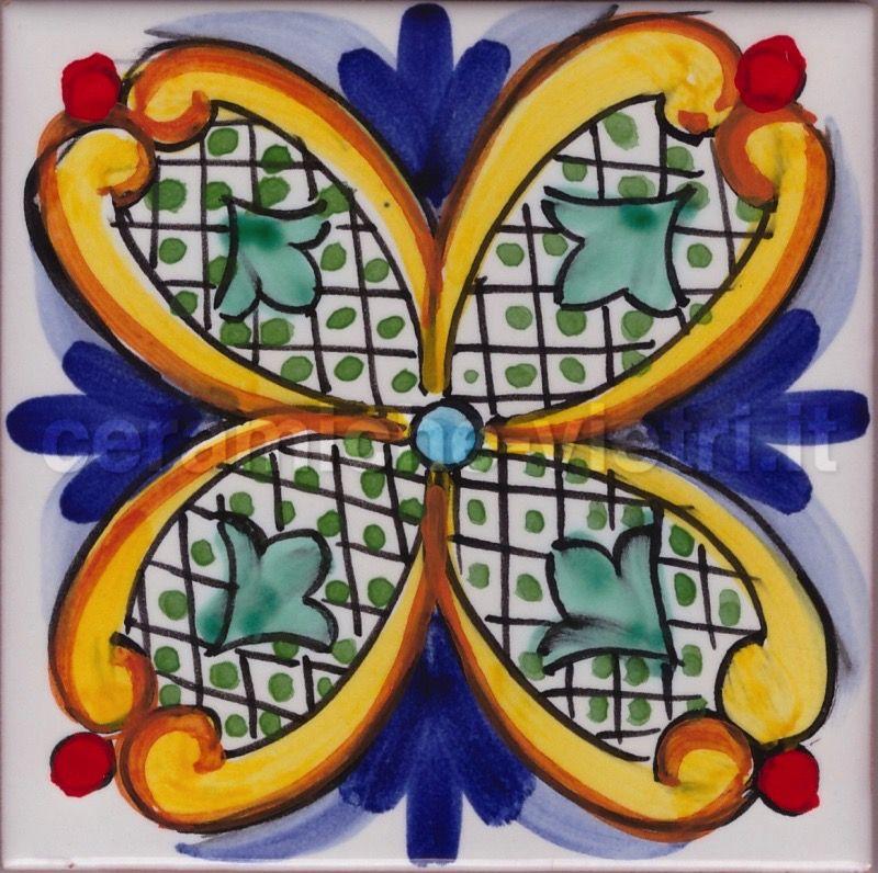 Piastrelle Di Ceramica Decorate.Ceramiche Vietri It Piastrelle 20x20 Decorate A Mano In