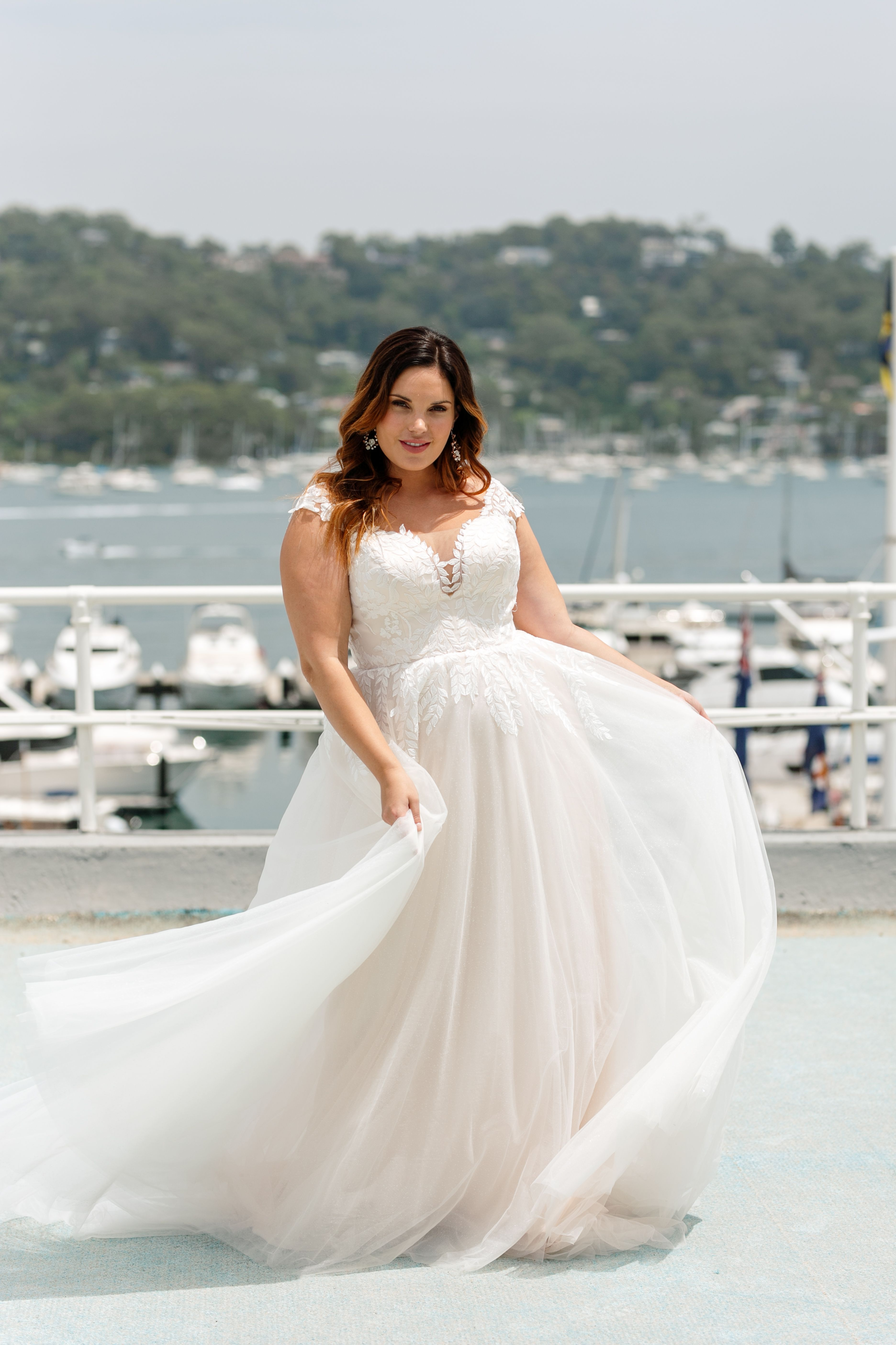 Curvaceous Bridal Gowns Plus Size Gowns Peter Trends In 2020 Curvy Wedding Dress Plus Size Gowns Bridal Gowns