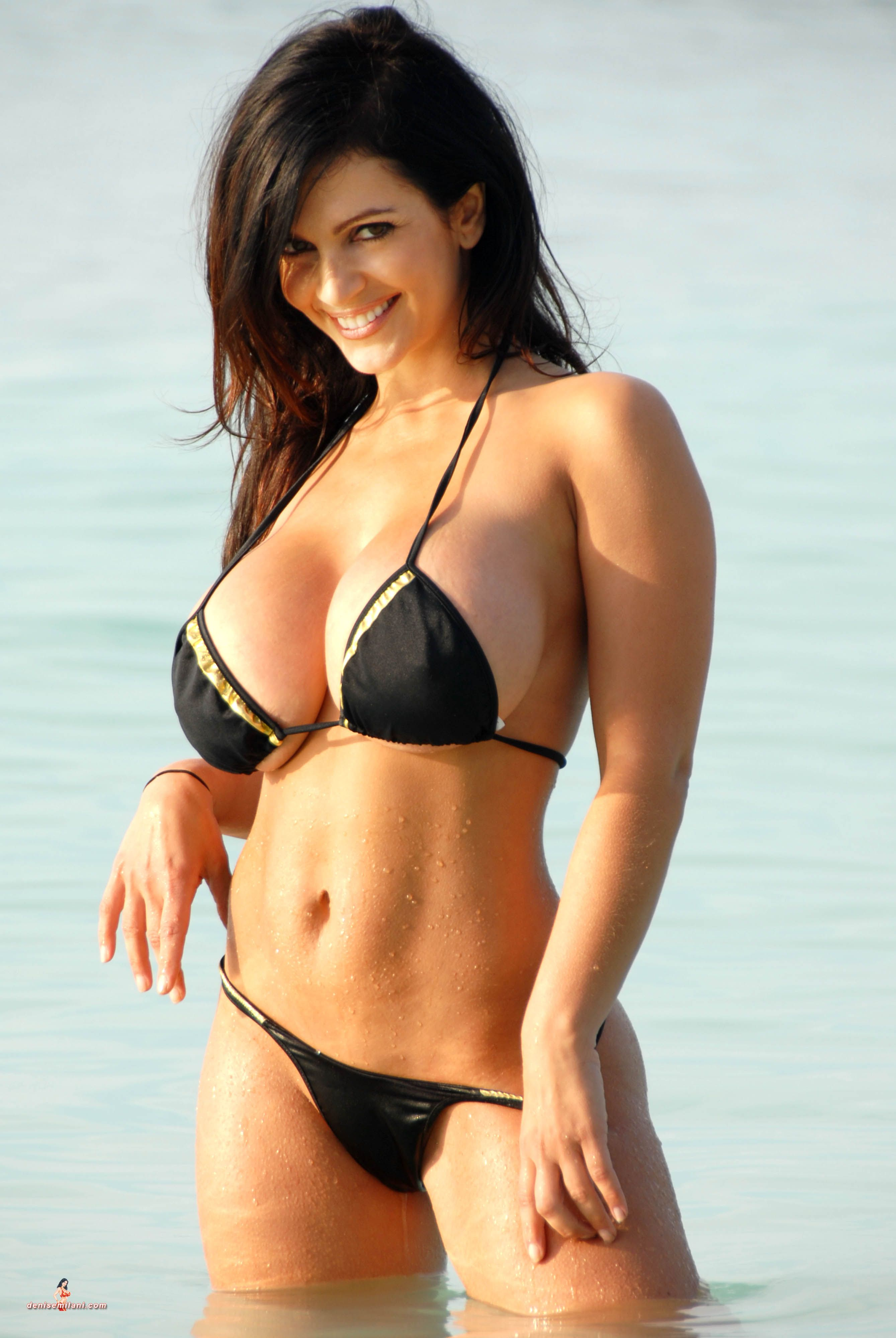 Bikini Renee Denise