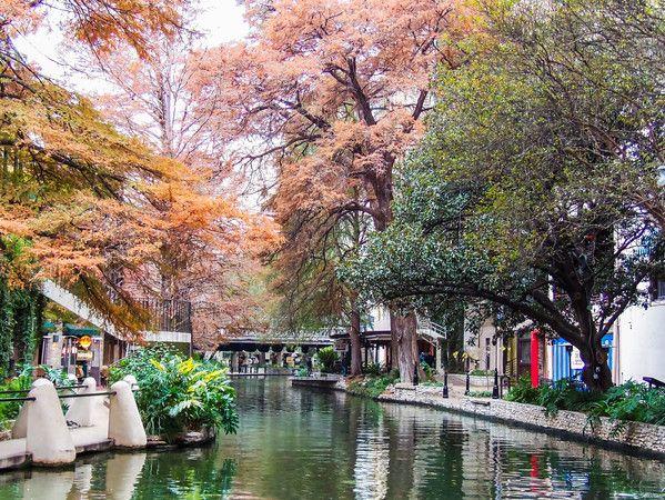 Photo Adventure : The San Antonio Riverwalk