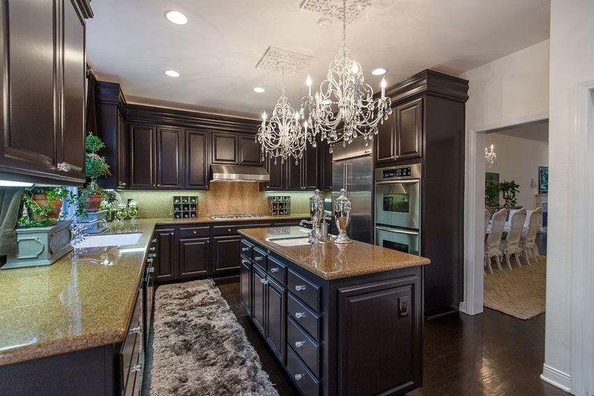 35 Luxury Kitchens With Dark Cabinets Design Ideas Dark Kitchen Cabinets Dark Cabinets Dark Countertops