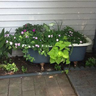 Delightful Claw Foot Bathtub Planter Design Inspirations