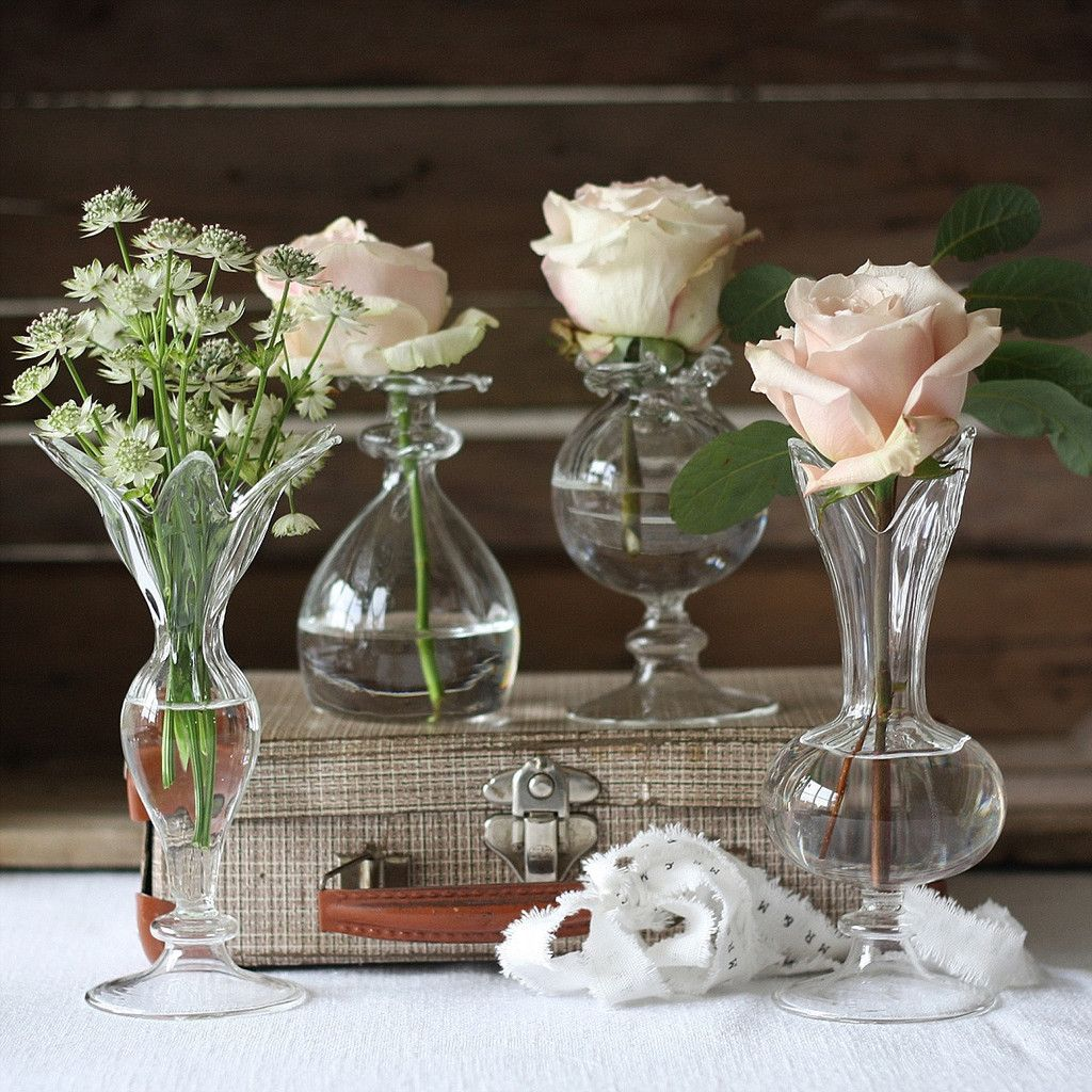 Small glass bud vases wedding centrepieces parisian vintage chic small glass bud vases wedding centrepieces reviewsmspy