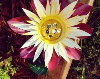 Metal Flower Garden Stake, Dahlia Flower Yard Decoration, Metal Garden Art,  Flower Garden Decor