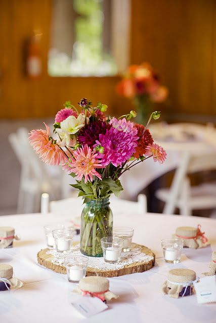 Tree Slice Amp Doily Centerpieces With Farm Flowers