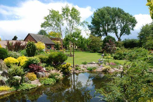 Private Garden Of John Massey Owner Of Ashwood Nurseries Uk Private Garden Hardy Plants Garden