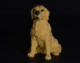 Sandicast Small Size Sculpture Sitting Golden Retriever Dog