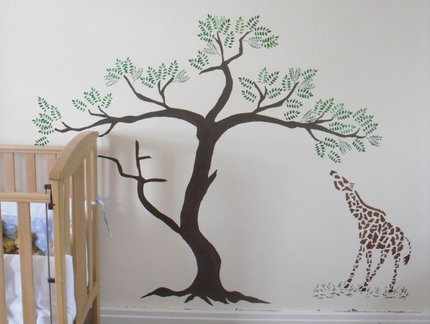 painting palm trees on walls giraffe and acacia tree wall stencil shelli painting tree. Black Bedroom Furniture Sets. Home Design Ideas