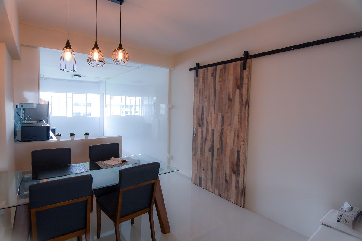 Dining area of 3 room HDB resale flat at Blk 615 Bedok Reservoir