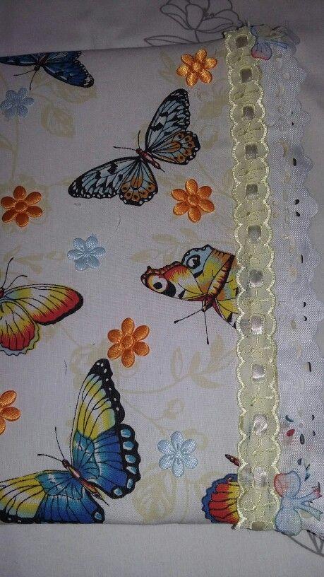 Cadernos decorado com motivos de borboleta passa fitas e bordado inglês....