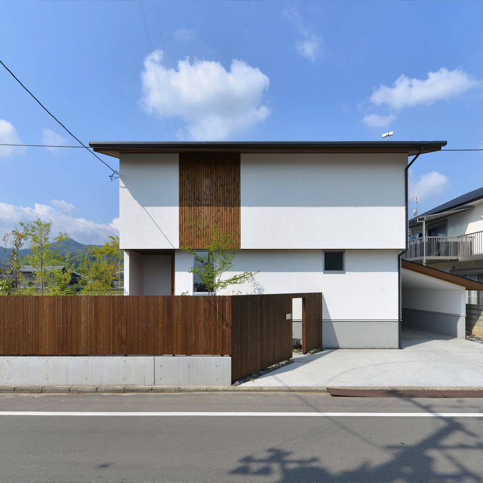 片流れ屋根 格子 塗り壁 板塀 自転車置き場 造作 外観 和風