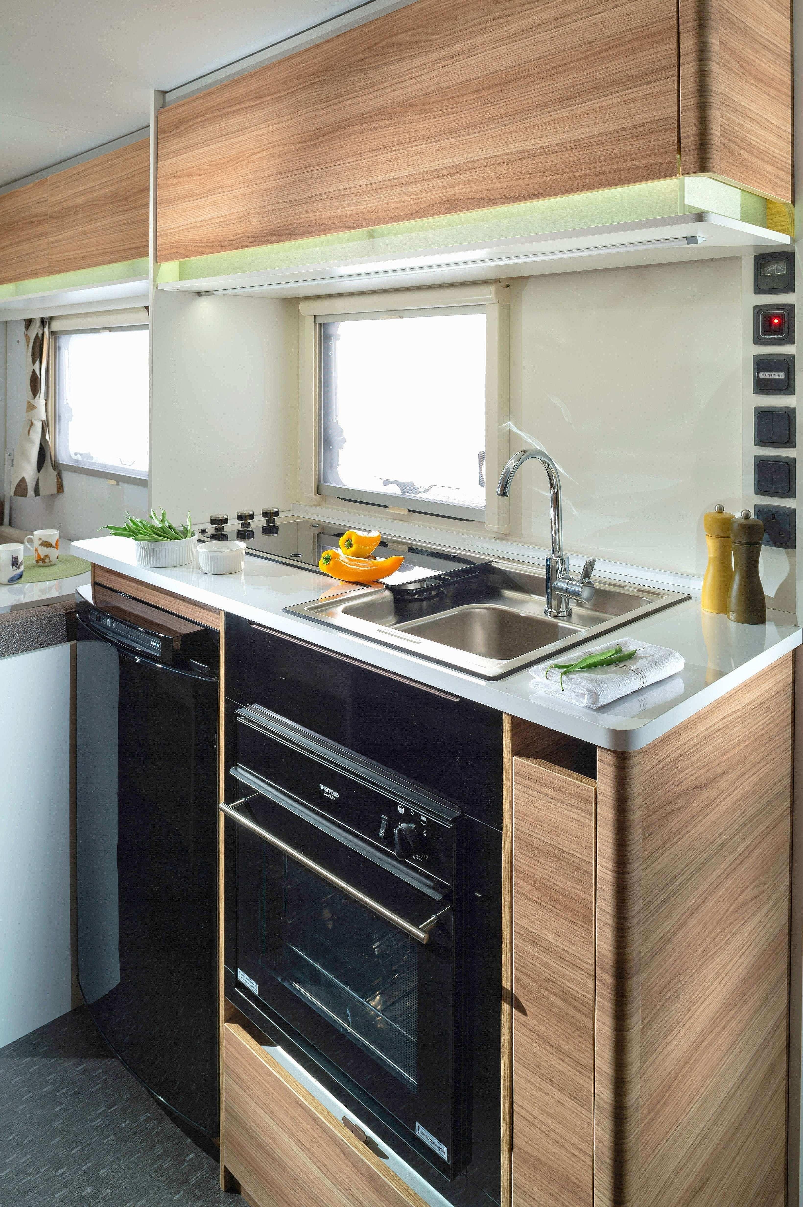 Elegant Light Oak Kitchen Cabinets    ...