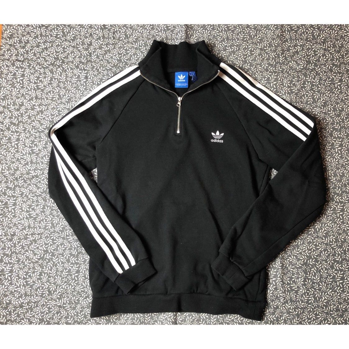 Adidas Sweatshirt Size Medium On Mercari Adidas Sweatshirt Adidas Jacket Fashion [ 1124 x 1124 Pixel ]
