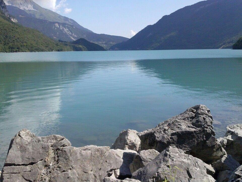 lungo lago