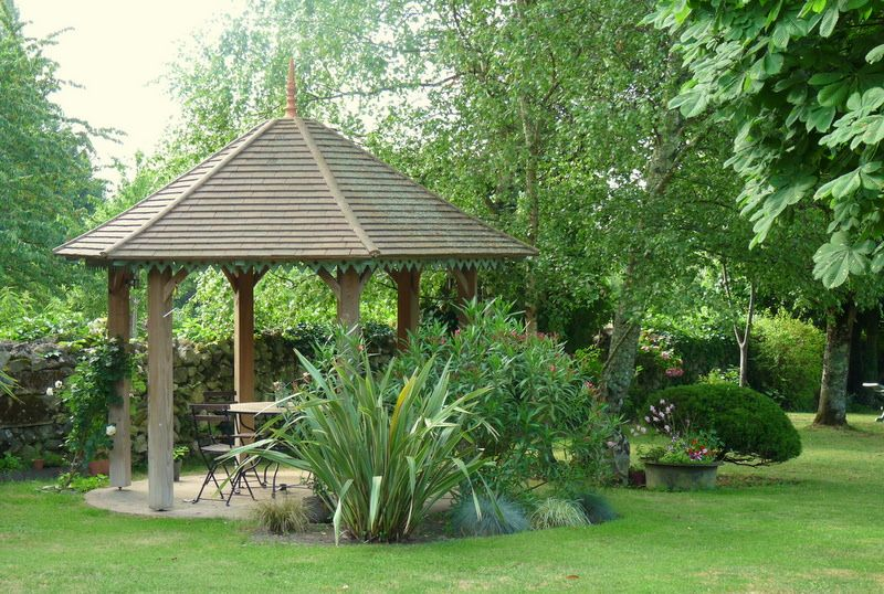 kiosque (avec images) | Amenagement jardin, Beaux jardins
