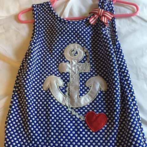Super cute girls size-4 anchor shirt/dress. My daughter wore this t...