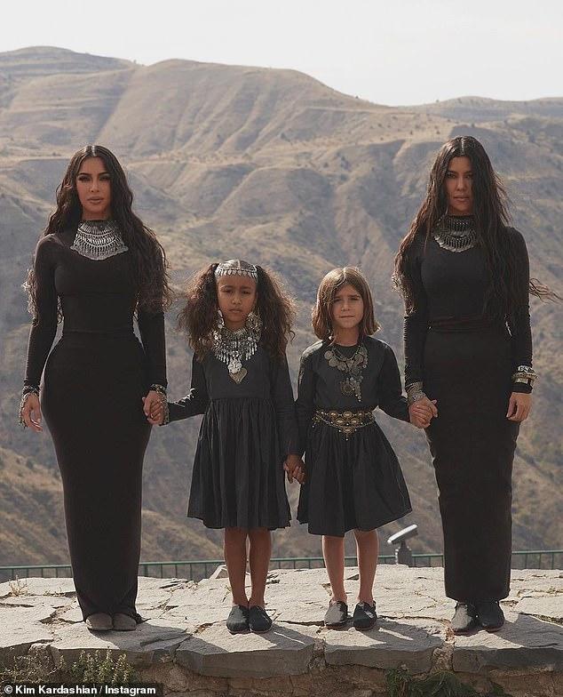 Kim Kardashian posts pic in honor of US recognizin
