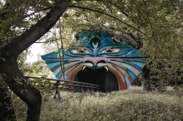 There's just something so surreal about abandoned amusement parks, and this defunct park in Berlin might be our favourite yet, with its fallen dinosaurs and creepy moustachioed car.