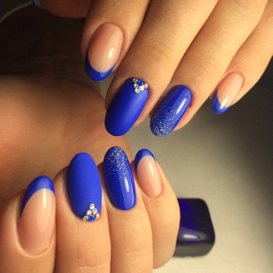синий френч с рисунком на ногтях фото